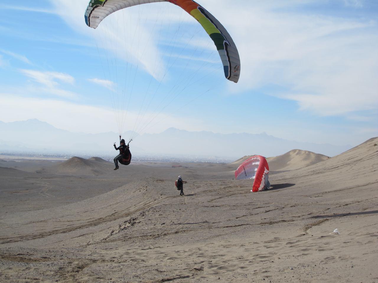 پروازبا پاراگلایدر در سایت یزد